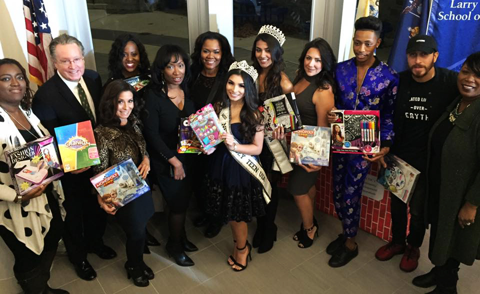 Berkeley College Students Blend Fashion And Talents To Benefit Children In Need During The Holidays Berkeley College Est