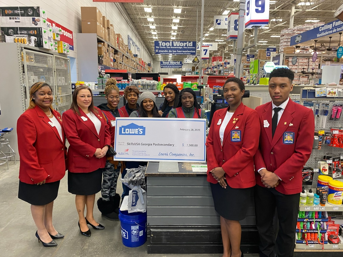 Group of SkillsUSA Students standing at Lowes.